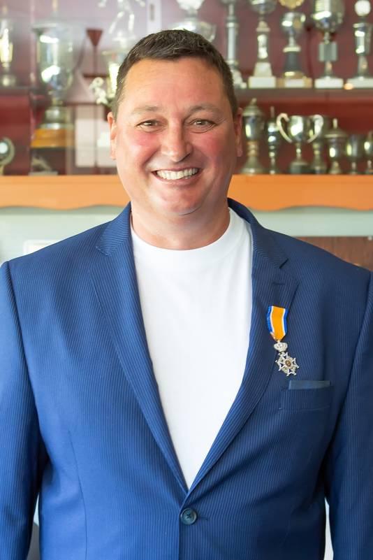 Tim van Mierlo (Oud-Vossemeer), Lid in de Orde van Oranje-Nassau