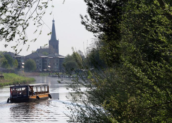 De Iesselganger op de Oude IJssel.