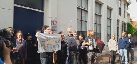 Protestlied voor behoud Vlissings poppodium De Piek