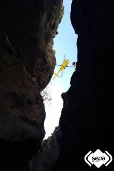 Jongetje (10) redt Nederlandse wandelaar (64) die in Spaanse rotsspleet valt