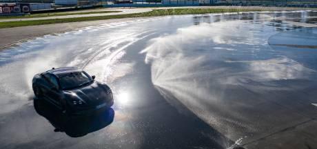 Wereldrecord: Nederlander rijdt 210 rondes driftend over circuit