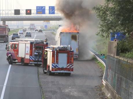 A4 afgesloten door vrachtwagenbrand