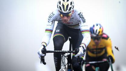 LIVE. Grote kopgroep met Van der Poel en Van Aert, geeft Aerts eindzege nog uit handen?