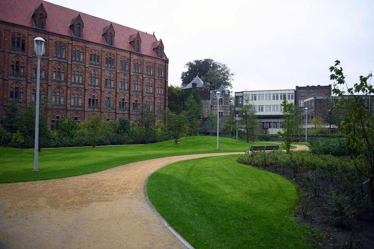 Het Janseniuspark is de nieuwe groene stadslong van 7.000 m2 groot.