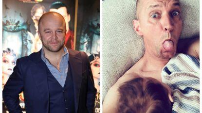 SHOWBITS. Sven De Ridder neemt afscheid van een idool en lukt het Karl Vannieuwkerke om borstvoeding te geven?