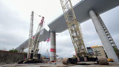 Laatste deel nieuwe brug Genua op zijn plaats gezet