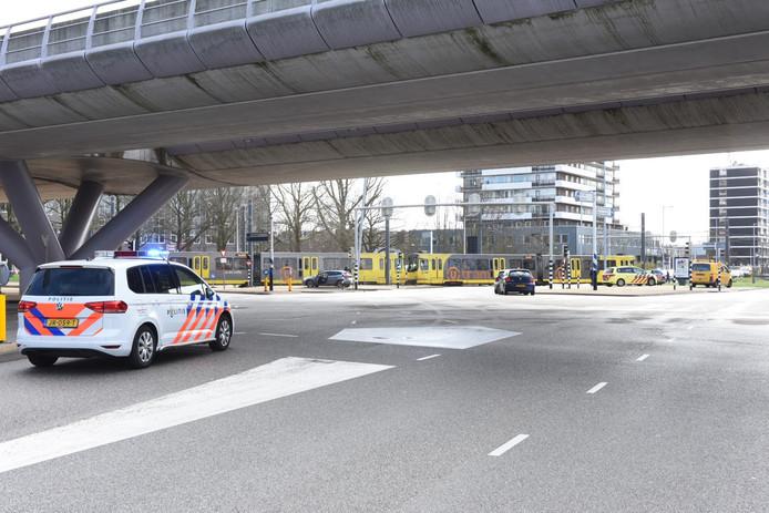 Veel politie bij 24 Oktoberplein na schietpartij in een tram in Utrecht.