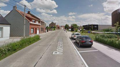 Zwaar verkeer in Roeselarestraat fors toegenomen door werken Diksmuidesteenweg