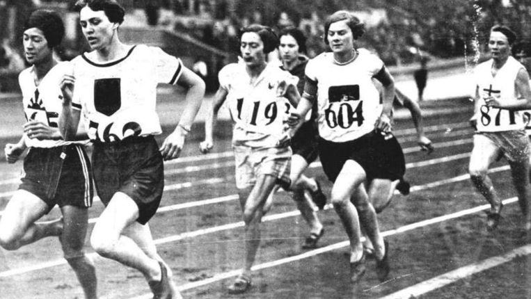 Een wedstrijd tijdens de Spelen in Amsterdam (1928). Beeld ANP
