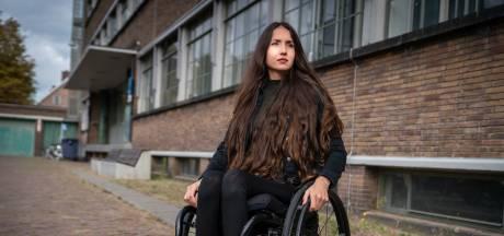 Tirzah (30) kreeg dwarslaesie, maar met dank aan Jamai gaat ze dansen in haar rolstoel