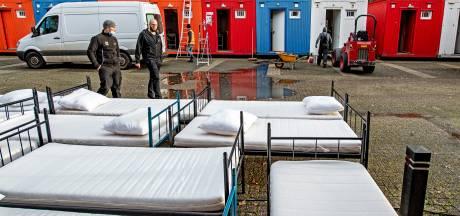 Daklozen overwinteren in containers achter Jan Massinkhal