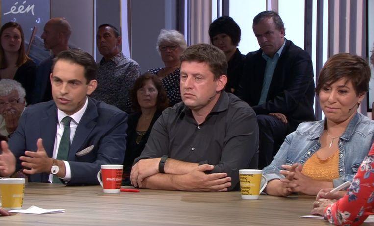 Oppositieleden Tom Van Grieken (Vlaams Belang), John Crombez (sp.a) en Meyrem Almaci (Groen).
