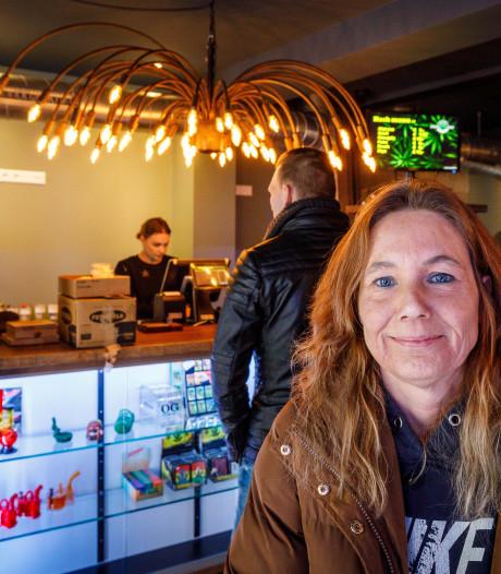 Verhuizing Coffeeshop Alien in Steenwijk moet nieuw begin inluiden