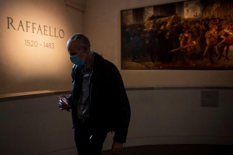 De langverwachte tentoonstelling met werken van Rafaël in Rome was slechts drie dagen open. Beeld Getty Images