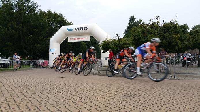 De VIRO  Criterium Cup Twente wordt dit jaar uitgebreid met een wielerkoers op de campus van de UT in Enschede.