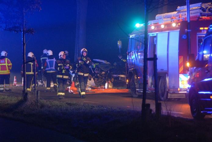 Drie zwaargewonden en man overleden na verkeersongeval Zuiddorpe.