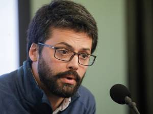 """Emmanuel André tire la sonnette d'alarme: """"Un confinement est nécessaire"""""""