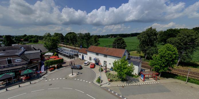 Station Holten
