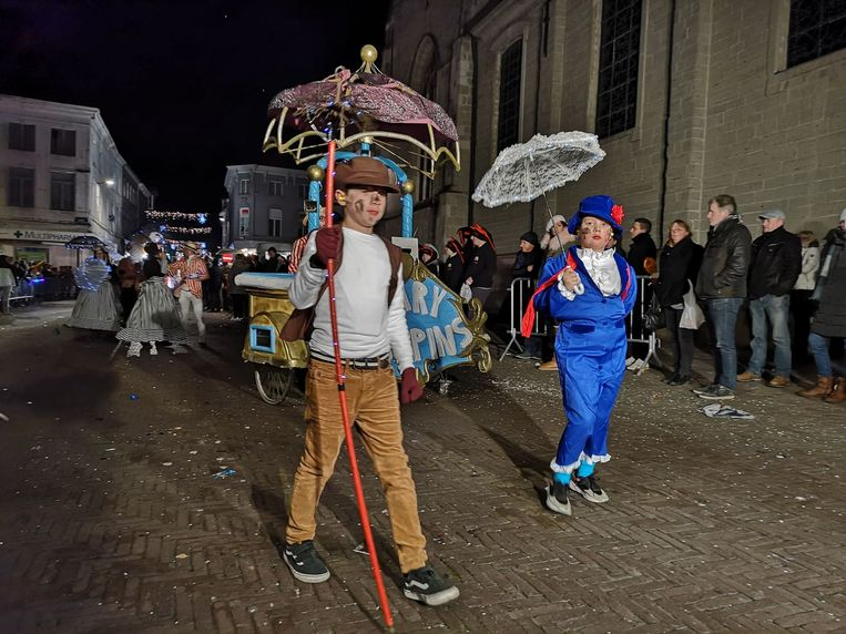 De carnavalisten maakten een mooi schouwspel van.