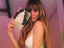 Beertje bepotelt lolita-boek en Nicolette hangt aan een paal