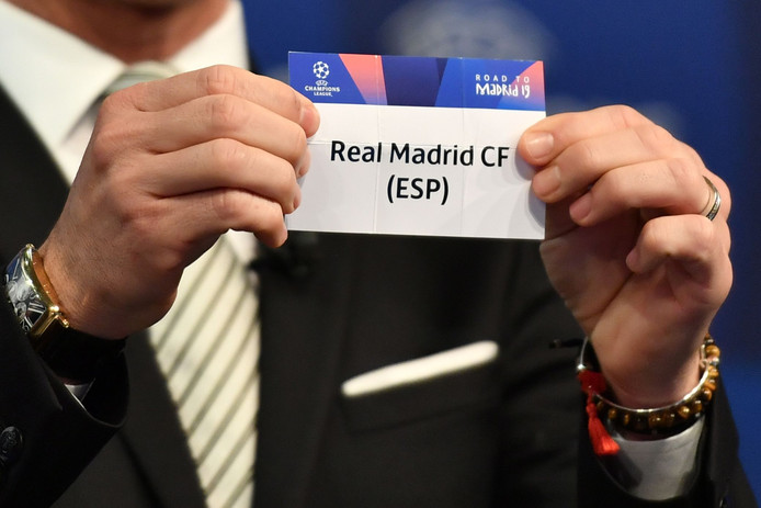 Real Madrid wordt gekoppeld aan Ajax tijdens de loting in Nyon.