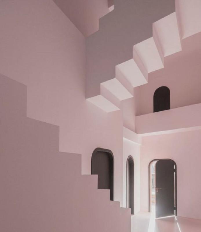 Een aantal tekeningen van Escher zijn ontworpen rond onmogelijke objecten zoals de 'oneindige' Penrose-trap.