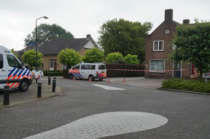 De politie doet onderzoek op de Hoofdstraat.