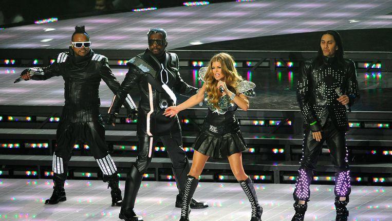 Fergie tijdens een optreden met The Black Eyed Peas. De zangeres maakt niet langer deel uit van de Amerikaanse band. Beeld anp