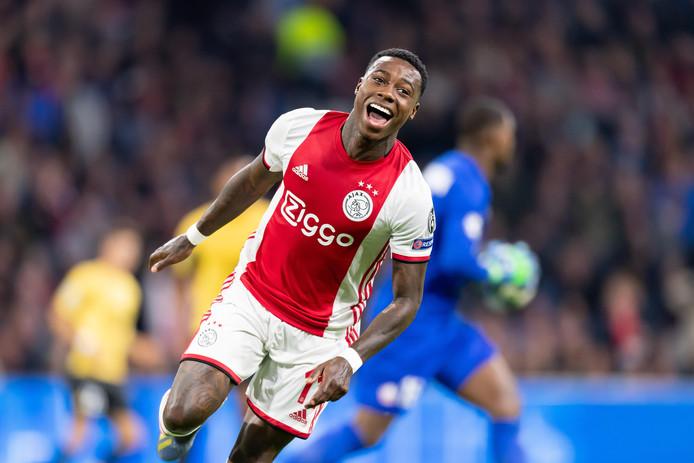 Quincy Promes maakte de 1-0 namens Ajax.