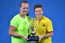 Kiki Bertens en Demi Schuurs na toernooiwinst in Brisbane.