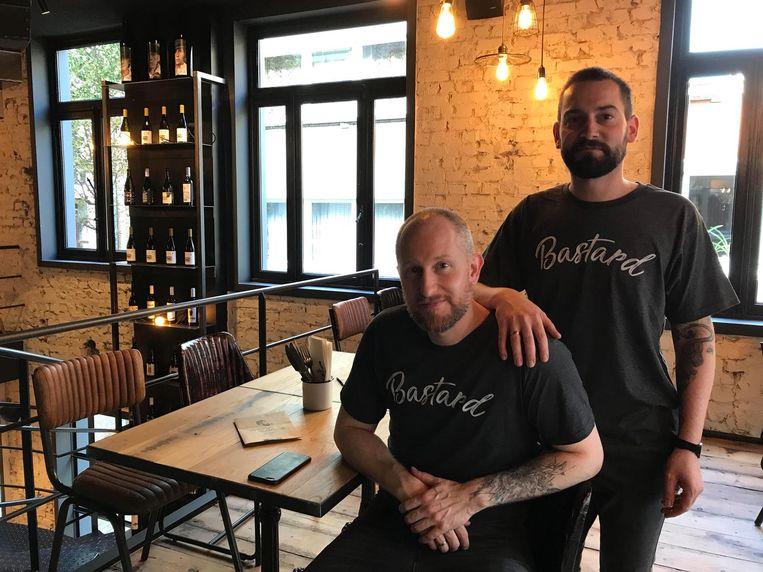 Stefan Westerlinck en uitbater Kevin Ricciolini (rechts) van Mommy's Bastards.