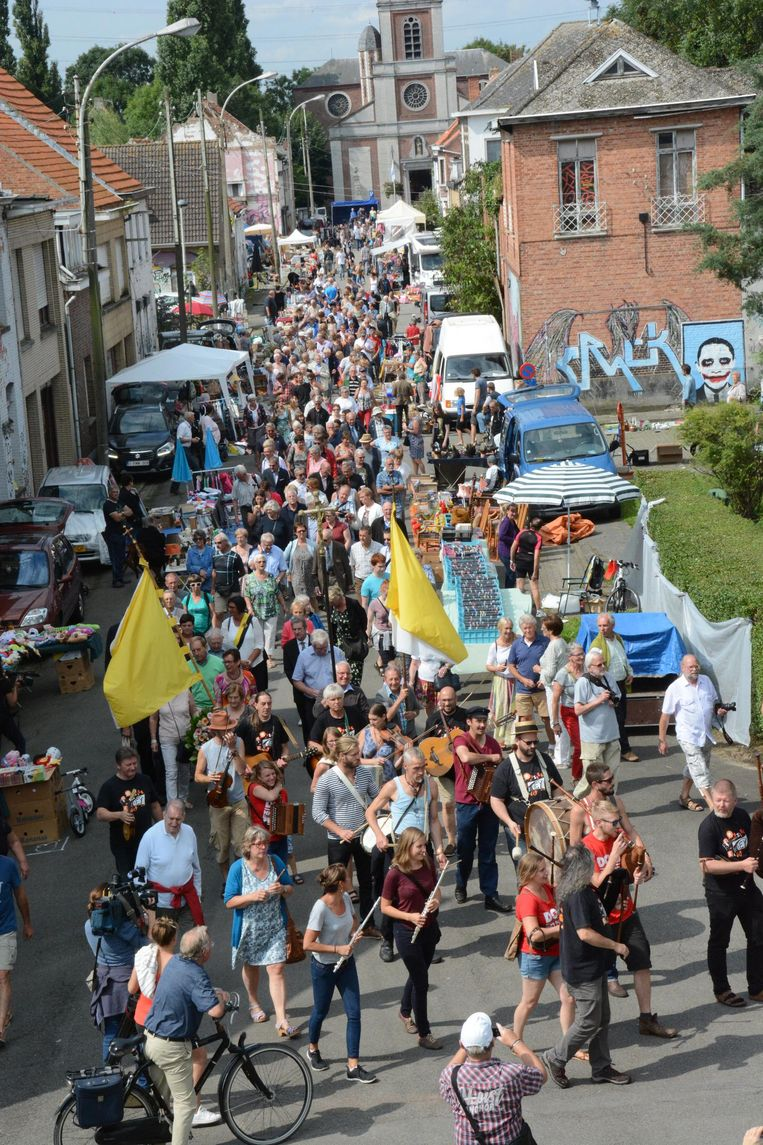 Het anders bijna verlaten Scheldedorp zal zondag opnieuw overspoeld worden door duizenden bezoekers.