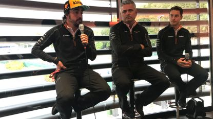 """Onze F1-watcher ziet hoe Belgische pers teammanager van McLaren het vuur aan de schenen legt. Die stelt gerust: """"Stoffel rijdt tot einde van seizoen voor ons"""""""