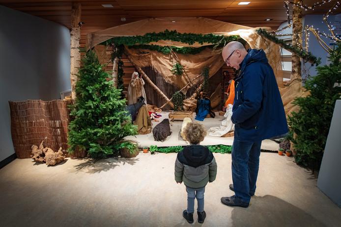 De kerststal bij ingang UMC Radboud