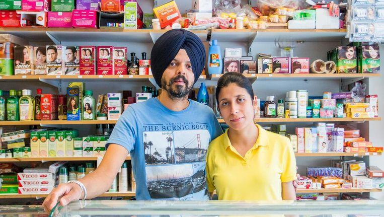 Bij Authentic India kun je direct een warme samosa eten, maar ook kookworkshops volgen Beeld Jesper Boot