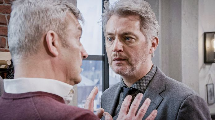 Kürt Rogiers (Lars) en Peter Bulckaen (Mathias) in 'Familie'.