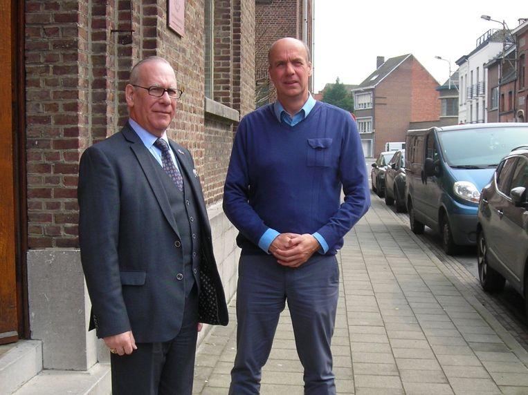 Gedelegeerd bestuurder Raymond De Smedt en algemeen directeur Rudi Van den Bossche aan de gebouwen van De Meerpaal in Willebroek