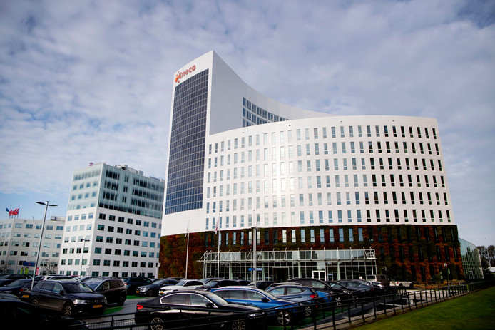 Het hoofdkantoor van Eneco blijft de komende vijf jaar nog wel in Rotterdam, beloofde Mitsubishi.