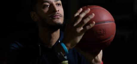 Amerikaanse basketbalprof Kaleb Warner begint opnieuw in Bemmel: 'Met en voor mijn brothers'