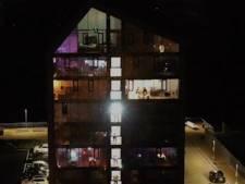 Confinés chez eux, des voisins organisent une soirée disco en simultané