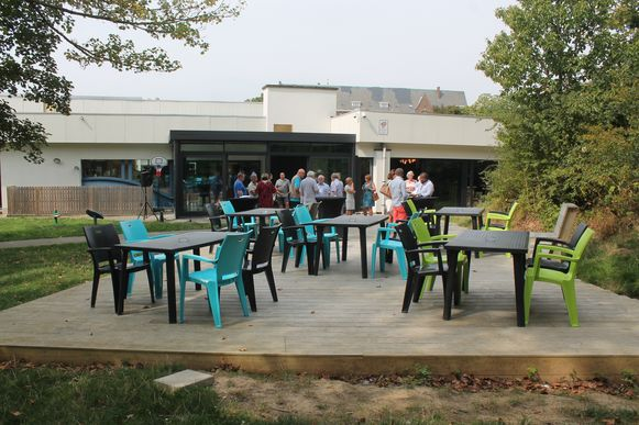 Voor het eerst krijgt Dilkom een terras, dat uitgeeft aan recreatiegebied de Pippezijp.