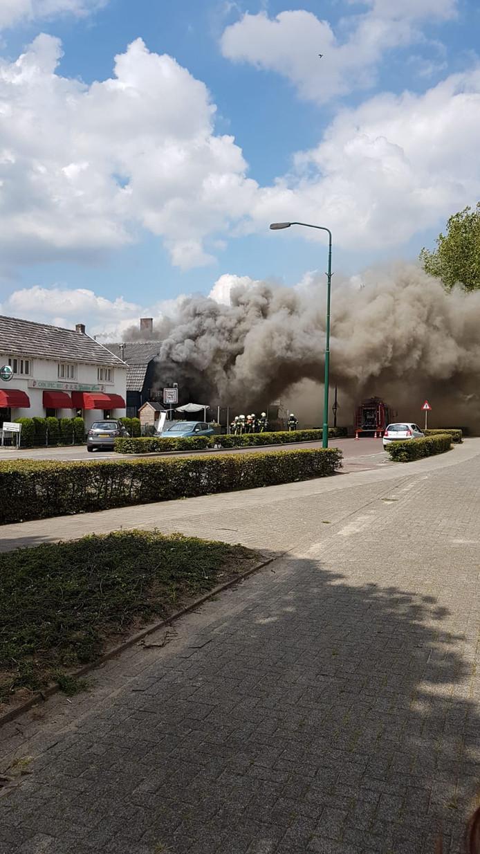 Brand bij snackbar in Berghem
