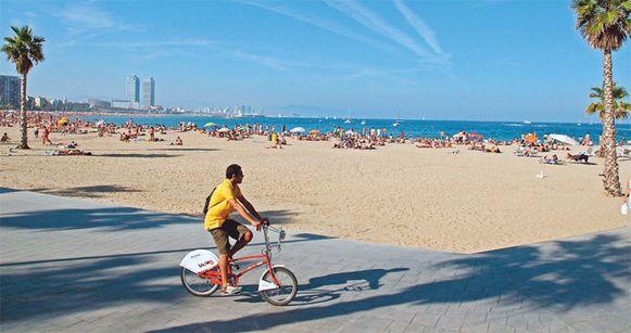 Het strand van Sant Sebastia in Barcelona.