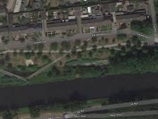 Visser vindt dode in water aan de Parallelweg in Oirschot