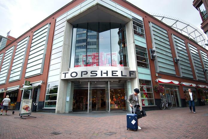 In de oude vestiging van V&D in het Arnhemse centrum is nu Topshelf gevestigd. foto rolf hensel IPTCBron  ROH  topshelf exterieur Arnhem