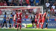 VIDEO. Blunder van Letica kost Club zege tegen potig Antwerp, Anderlecht als leider naar Jan Breydel