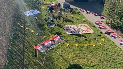 """Wielerbelofte Robbe (16) eert overleden ploegmakker Jarne tijdens Ronde tegen Corona: """"Tonen dat we hem nog niet vergeten zijn"""""""