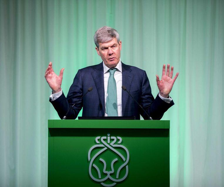 Bestuursvoorzitter Dick Boer geeft een toelichting op de jaarcijfers van Ahold Delhaize. Beeld ANP