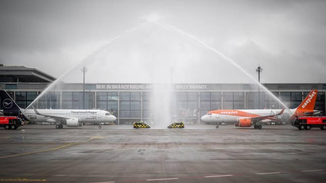 Eerste toestellen landen op langverwachte nieuwe luchthaven in Berlijn