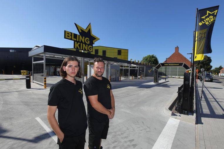Henri Vanhaerents en Wesley Vuylsteke van Bling King in de Bruggestraat.